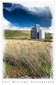 Photograph of a grain elevator in southeastern Washington