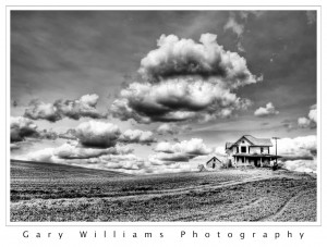 Photograph of an abandoned house in southeastern Washington